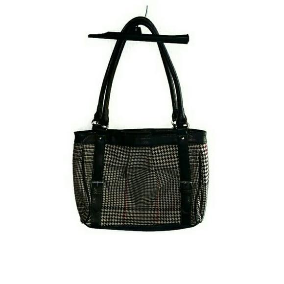 d4d42fdfb3 Chaps Handbags - Chaps shoulder bag purse houndstooth print